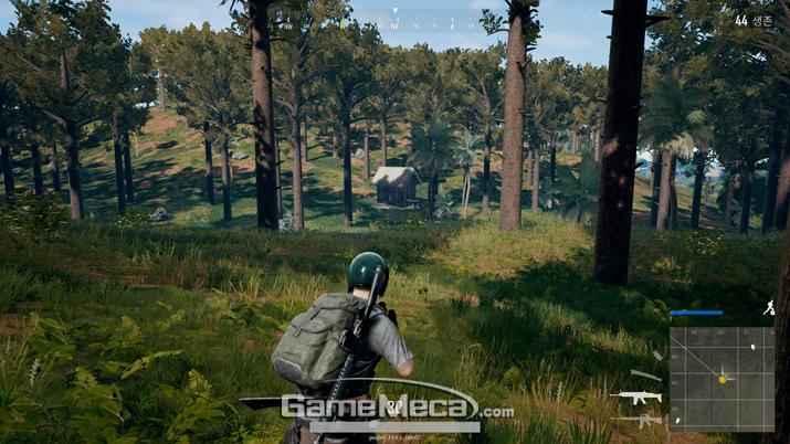 이토록 외진 곳에 있는 조그만 오두막에도 총기가 놓여있다 (사진: 게임메카 촬영)