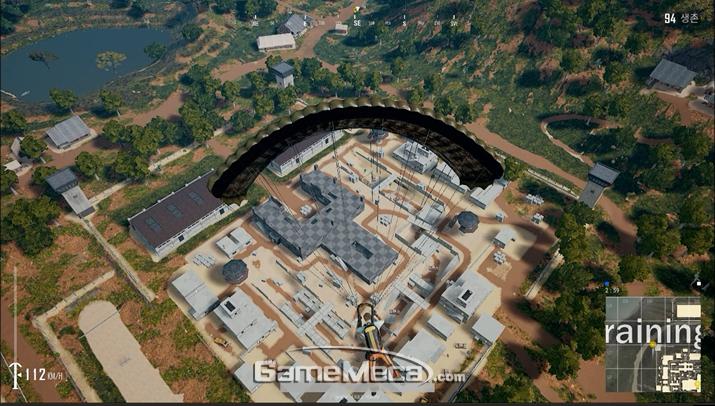 주요 지역임에도 미완성된 건물이 많다 (사진: 게임메카 촬영)