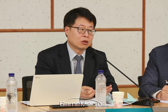 장근영 한국청소년정책연구원 선임연구위원은 셧다운제가 청소년 수면권을 보장하진 못한다고 밝혔다 (사진: 게임메카 촬영)