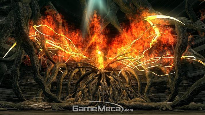 식물과 불꽃이 뒤섞인 기묘한 괴물이 된 '이자리스의 마녀' (사진출처: 게임 내 영상 갈무리)