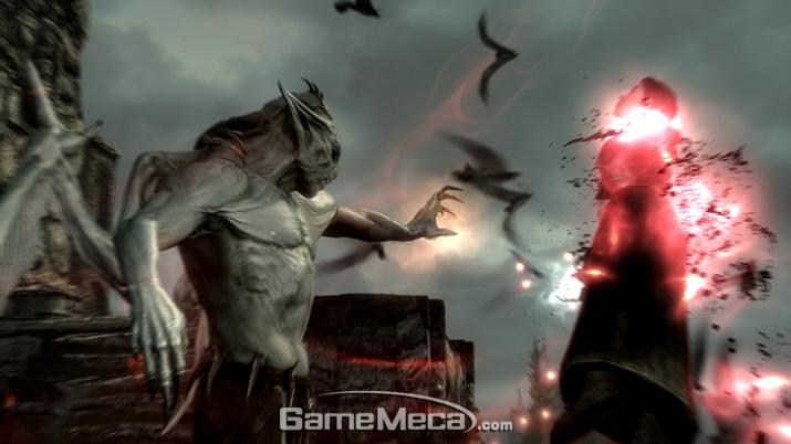 '엘더 스크롤'에서는 뱀파이어가 되면 힘을 위해 괴물로 남을 것인지, 인간으로 돌아갈 방법을 찾을 것인지 선택해야 한다 (사진출처: 스팀)