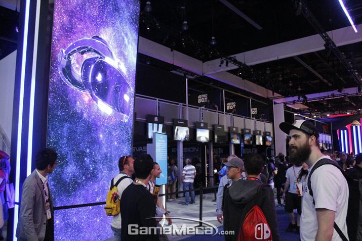 PS VR 시연 코너도 꽤 많이 마련됐다. 지금도 VR은 꾸준한 인기