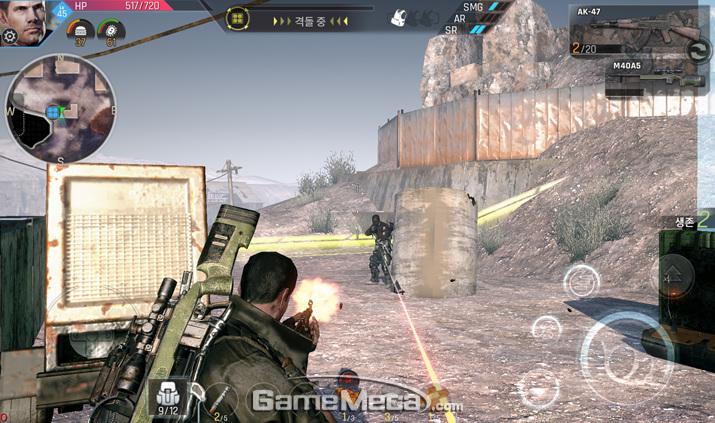 PvP 모드에서는 가운데 좀비를 놓고서도 플레이어간 전투가 벌어진다 (사진제공: 솔트랩)