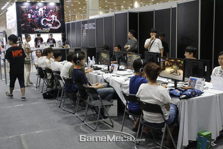 사실상 돌아다니다 지친 게이머들이 쉬어가는 공간 (사진: 게임메카 촬영)