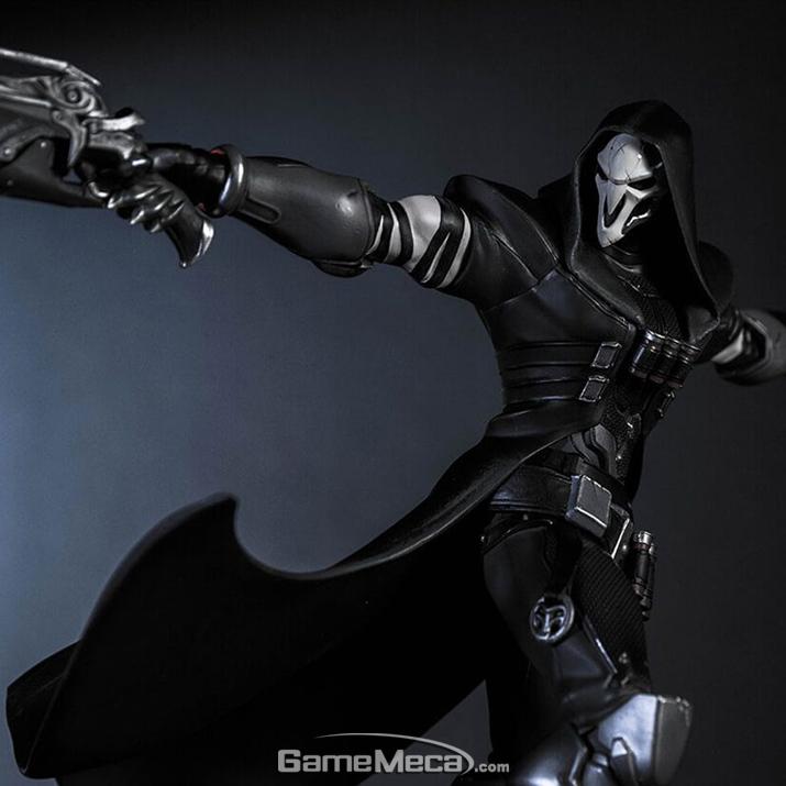검은 망령의 이름에 걸맞게 검은 암살자의 포스가 넘친다 (사진출처: 블리자드 기어 스토어 홈페이지)