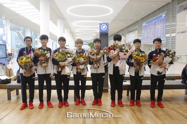 아시안게임 '리그 오브 레전드' 한국 대표팀 모습 (사진: 게임메카 촬영)