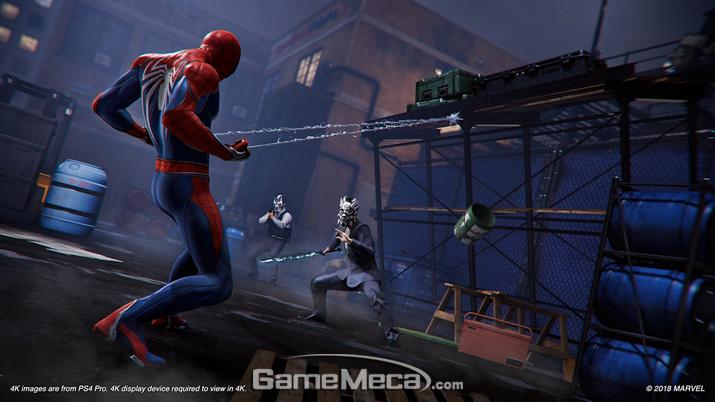 구조물을 무너뜨려 적을 공격할 수 있다 (사진출처: 플레이스테이션 공식 홈페이지)
