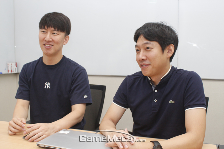 왼쪽부터 신룡길 팀장과 이윤노 팀장 (사진: 게임메카 촬영)