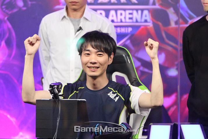 놀라운 경기력으로 SWC 2018에서 우승한 빛대 (사진: 게임메카 촬영)
