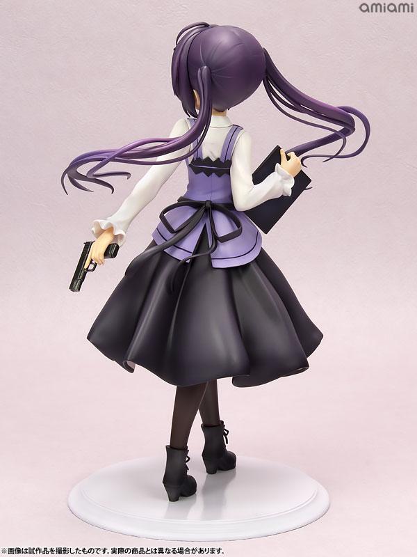 다른 캐릭터들과 같이 제복을 입고 있지만, 모델건을 들고 있는 게 특징이다 (사진출처: 아미아미 홈페이지)