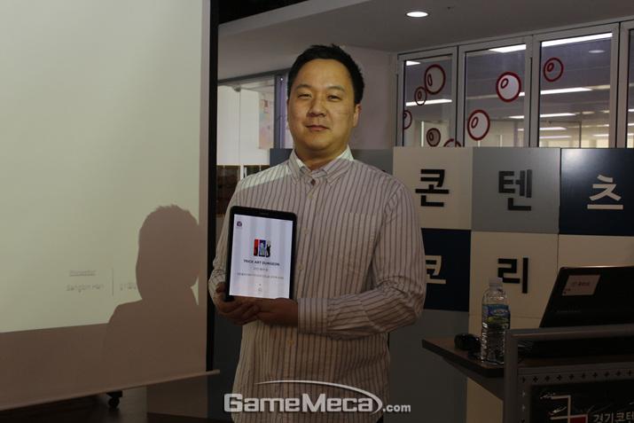 스팀을 통해 해외 유저들에게 인정받는 것이 목표라는 한 대표 (사진: 게임메카 촬영)