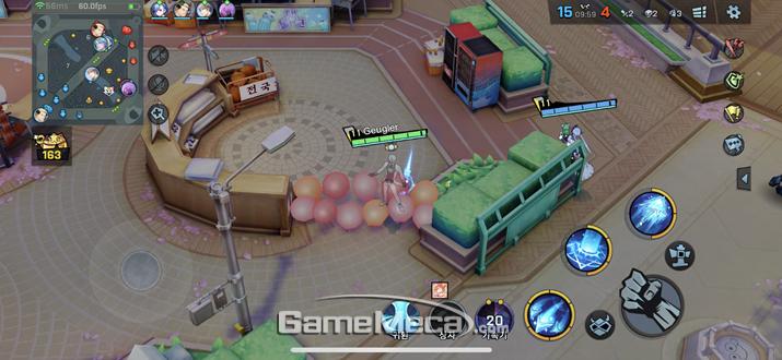 부쉬를 대신하는 풍선에 숨어서 적을 공격하는 기본 전술도 가능하다 (사진: 게임메카 촬영)
