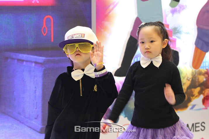 결과는 귀여운 춤사위를 보여준 쌍둥이의 승리 (사진: 게임메카 촬영)