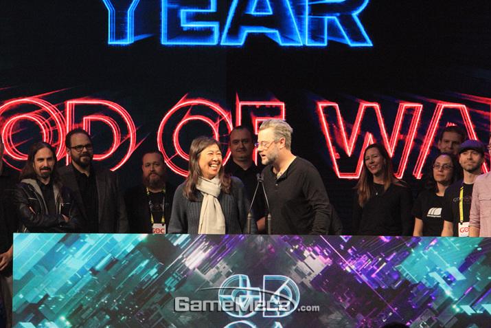 '갓 오브 워'가 수상했다 (사진: 게임메카 촬영)