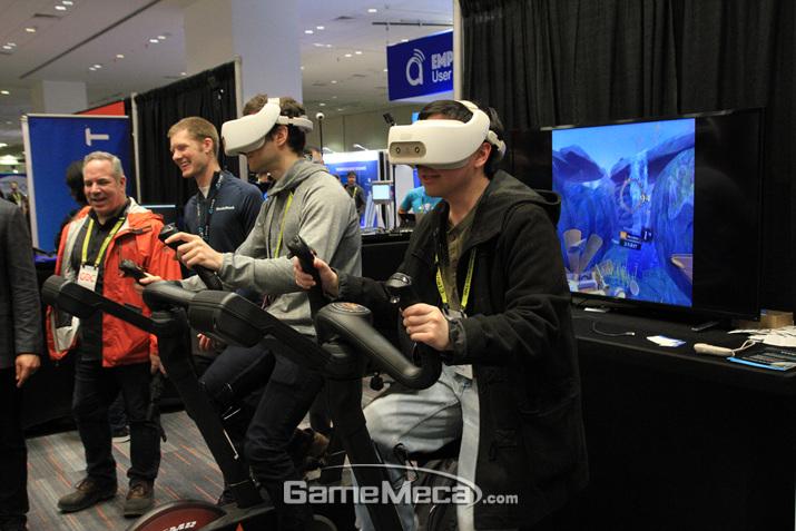 각종 VR게임을 경험할 수 있는 좋은 행사다 (사진: 게임메카 촬영)