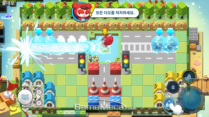 주변을 안보이게 하는 강력한 안개 스킬 (위) 원거리 공격을 가능하게 하는 물대포 스킬 (아래) (사진: 게임메카 촬영)