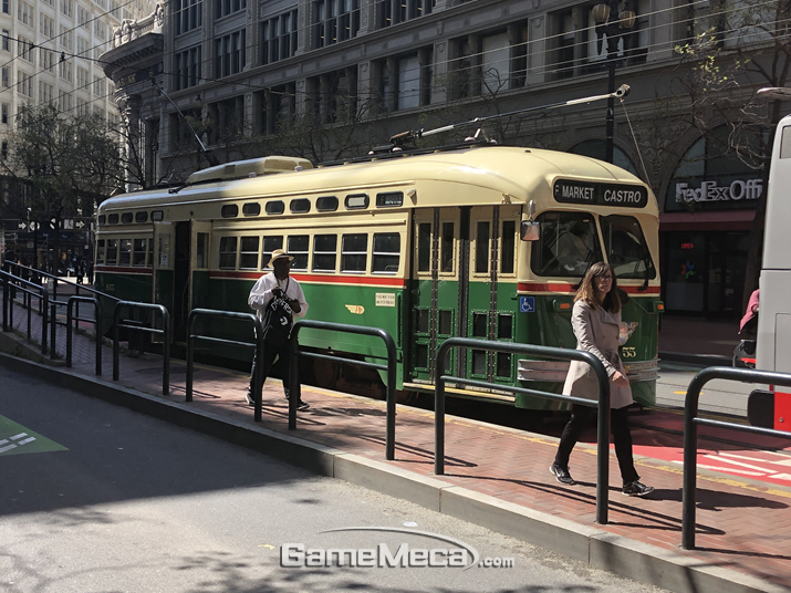 사실 샌프란시스코는 대중교통이 매우 잘되어 있는 도시라 택시를 꼭 탈 필요는 없다 (사진: 게임메카 촬영)