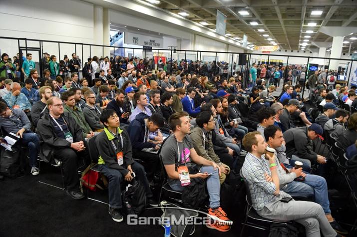 초보 개발자들의 발표지만 이렇게 많은 사람들이 들으러 온다 (사진: 게임메카 촬영)