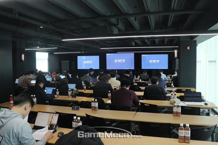 시프트업이 4일, 신작 발표회 '크랭크인 쇼케이스'를 개최했다 (사진: 게임메카 촬영)