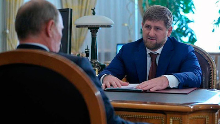 뱀파이어로 묘사될 뻔한 람잔카디로프(사진출처: Kremlin.ru)