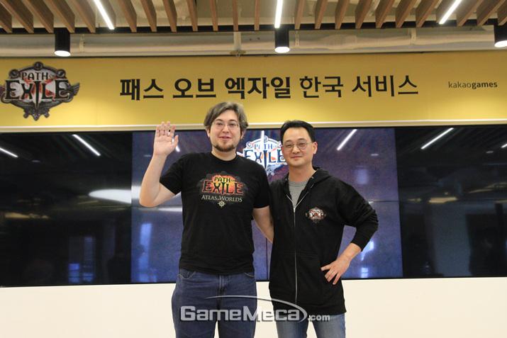 왼쪽부터 그라인딩 기어 게임즈 CTO 조너던 로저스, 카카오게임드 김상구 본부장 (사진: 게임메카 촬영)