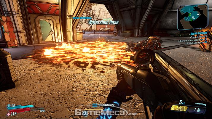 불이나 폭발통 등 전투에 영향을 미치는 요소들이 더 많아졌다 (사진: 게임메카 촬영)
