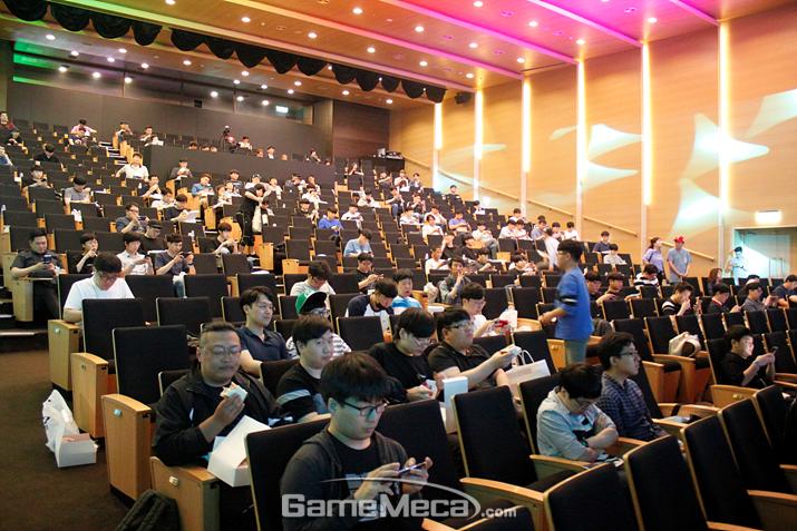 정식 서비스 이후 최초로 열린 '에픽세븐' 유저간담회 (사진: 게임메카 촬영)