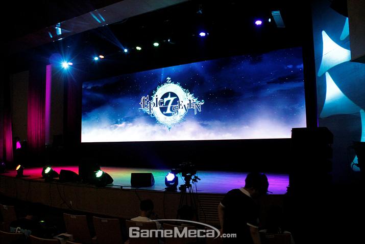 '에픽세븐 페스타'가 본격적으로 진행되고 (사진: 게임메카 촬영)