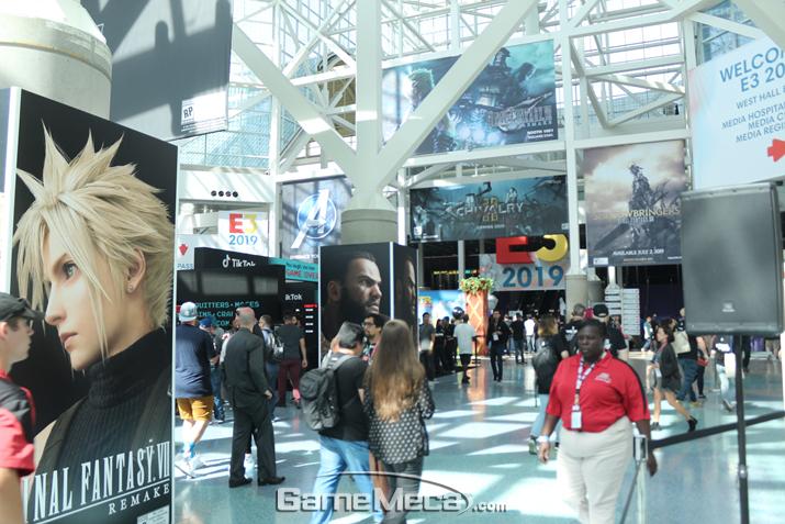 'E3 2019' 개막을 한 시간 앞둔 LA 컨벤션센터 사우스 홀 입구 풍경 (사진: 게임메카 촬영)