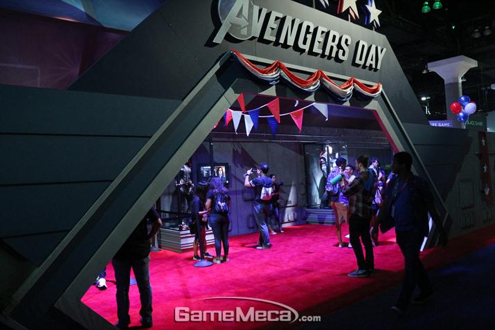 그리고 스퀘어에닉스가 만드는 신작 '어벤저스' 부스가 옆에 따로 마련돼 있다 (사진: 게임메카 촬영)