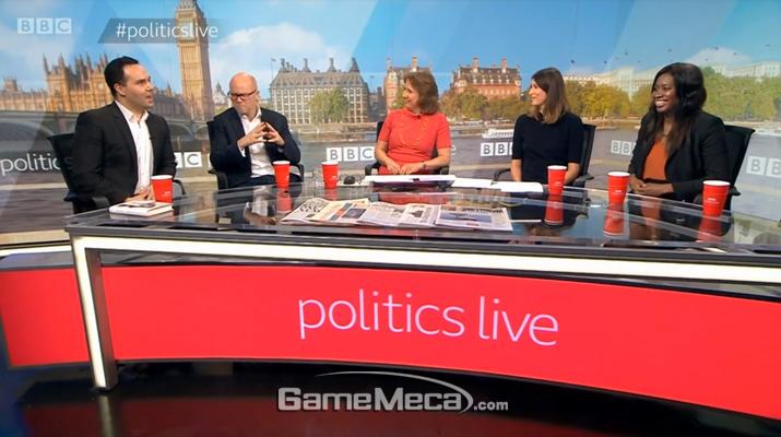 BBC 뉴스 프로그램 '폴리틱스 라이브'에서 패널들이 대화를 나누고 있다 (사진출처: BBC 뉴스 공식 홈페이지)