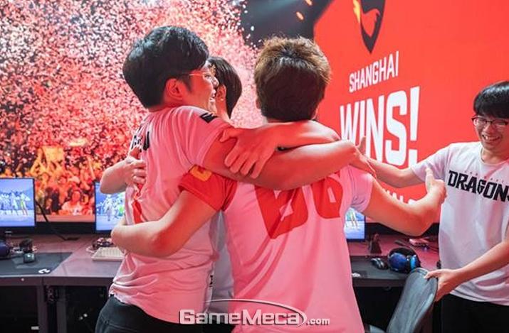 스테이지3 우승을 기록한 상하이 드래곤즈 (사진제공: 블리자드)