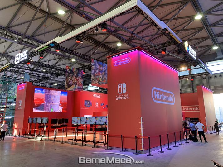 텐센트를 통해 중국에 진출하는 닌텐도 스위치는 아예 독자적인 대형 부스를 냈다. (사진: 게임메카 촬영)