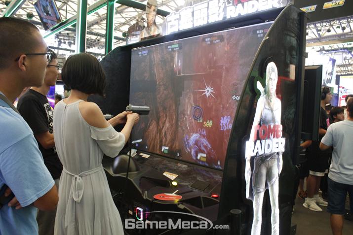 4인 협동으로 펼치는 툼레이더 건슈팅 게임, 재미있어 보인다 (사진: 게임메카 촬영)