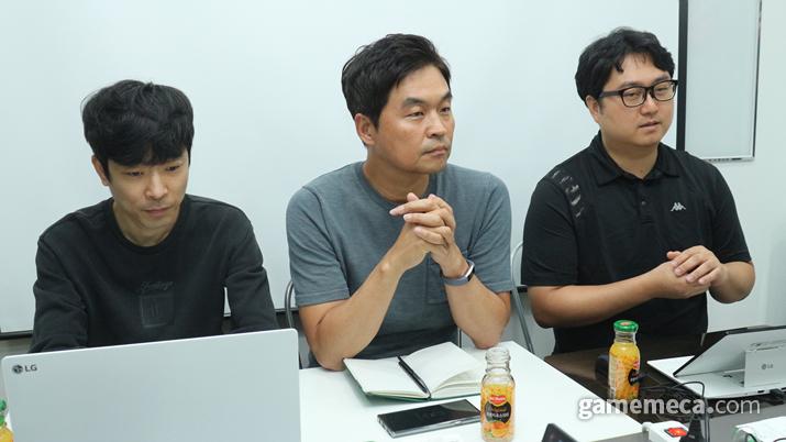 왼쪽부터 사공주영 글로벌사업부 부장, 김준영 대표, 노우영 디자이너 (사진: 게임메카 촬영)
