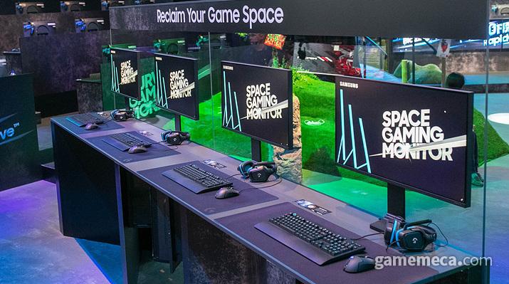 자유자재로 움직이는 게이밍 모니터 '스페이스 게이밍 모니터' (사진출처: 삼성 뉴스룸)