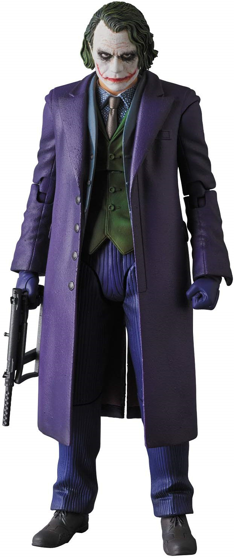 보라색 코트가 잘 어울리는 액션피규어. 다양한 연출 사진이 가능하다 (사진출처: 아마존)