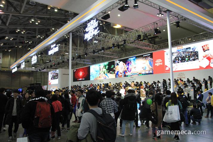 넷마블 부스는 매년 같은 자리 같은 곳에서 관객들을 맞이하고 있다 (사진: 게임메카 촬영)