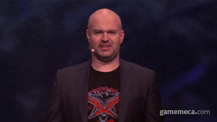 엑자일콘에서 2편에 대해 설명중인 크리스 윌슨 (사진출처: 엑자일콘 공식 영상 갈무리)