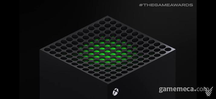 초록색으로 빛나네, 공기 질이 좋은가봐 (사진출처: Xbox 시리즈 X 소개 영상 갈무리)