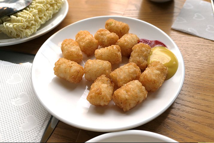감자튀김과 함께 먹는 부대찌개, 마마부찌