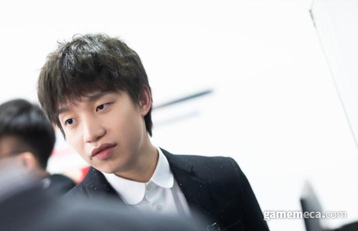 우한 시에 갇혀서 팀으로 돌아가지 못하고 있는 EDG 감독 '클리어러브' 밍카이 (사진출처: LPL 공식 홈페이지)