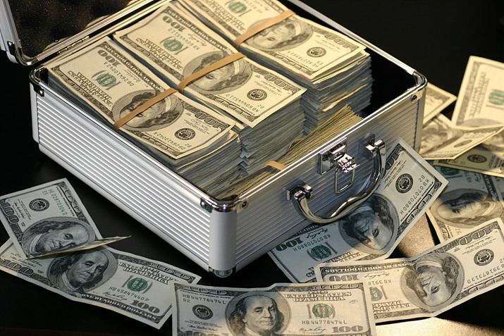 문제는 결국 돈이다. '게임이용장애' 질병 등록 시도는 게임업계에서 돈을 거둬들이기 위해 시작됐다고 해도 과언이 아니다