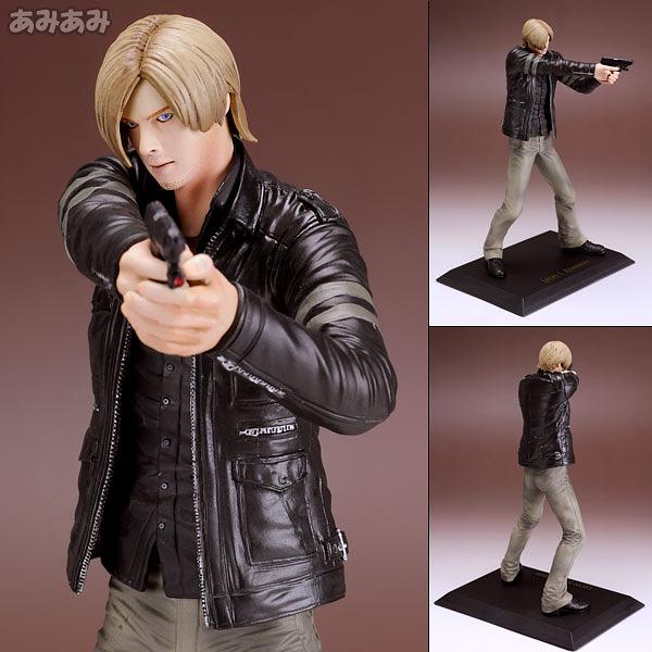 가죽재킷에 권총을 들고있는 레온 (사진출처: 아미아미 홈페이지)