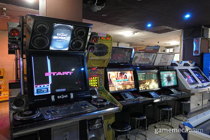 EZ2AC가 이 곳에서는 나름 최신 게임기