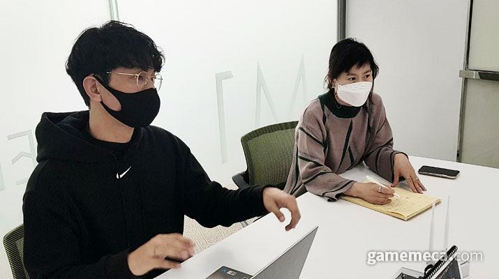 한국게임개발자협회 전석환 사업실장(좌), 김영희 AD(우)