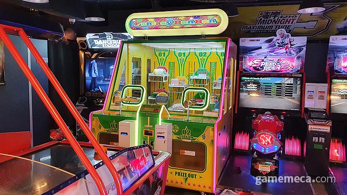코나미 E-amusement 네트워크를 지원하는 유일한 게임기, 댄스 러쉬 스타덤