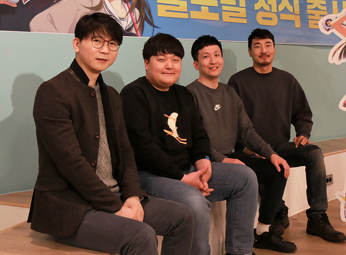 왼쪽부터 안치완 PD, 문시웅 기획, 김철하 기획팀장, 신정호 아트팀장 (사진제공: 컴투스)