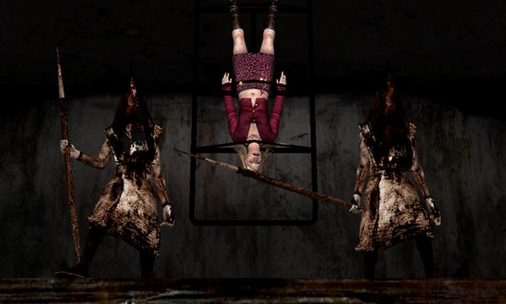 제임스 선덜랜드를 괴롭히기라도 하듯, 눈 앞에서 아내를 닮은 여자가 죽는 모습을 반복적으로 보여주는 사일런트 힐의 이면세계 (사진출처: 사일런트 힐 팬덤 위키)