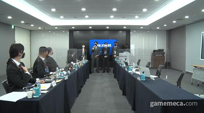 지금 보면 비교적 모범적이었던 페그오 간담회 (사진출처: 간담회 생중계 갈무리)